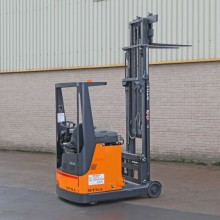 Used Still FM-14 1.4 tonne capacity reach truck